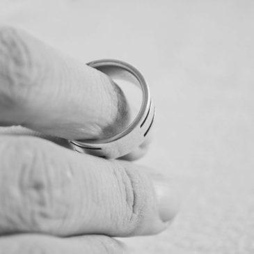 Wszczęcie postępowania rozwodowego przez małżonka częściowo ubezwłasnowolnionego